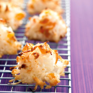 Coconut-Apricot Macaroons recipe
